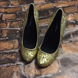 Michael Antonia Like New Gold Glitter Heels